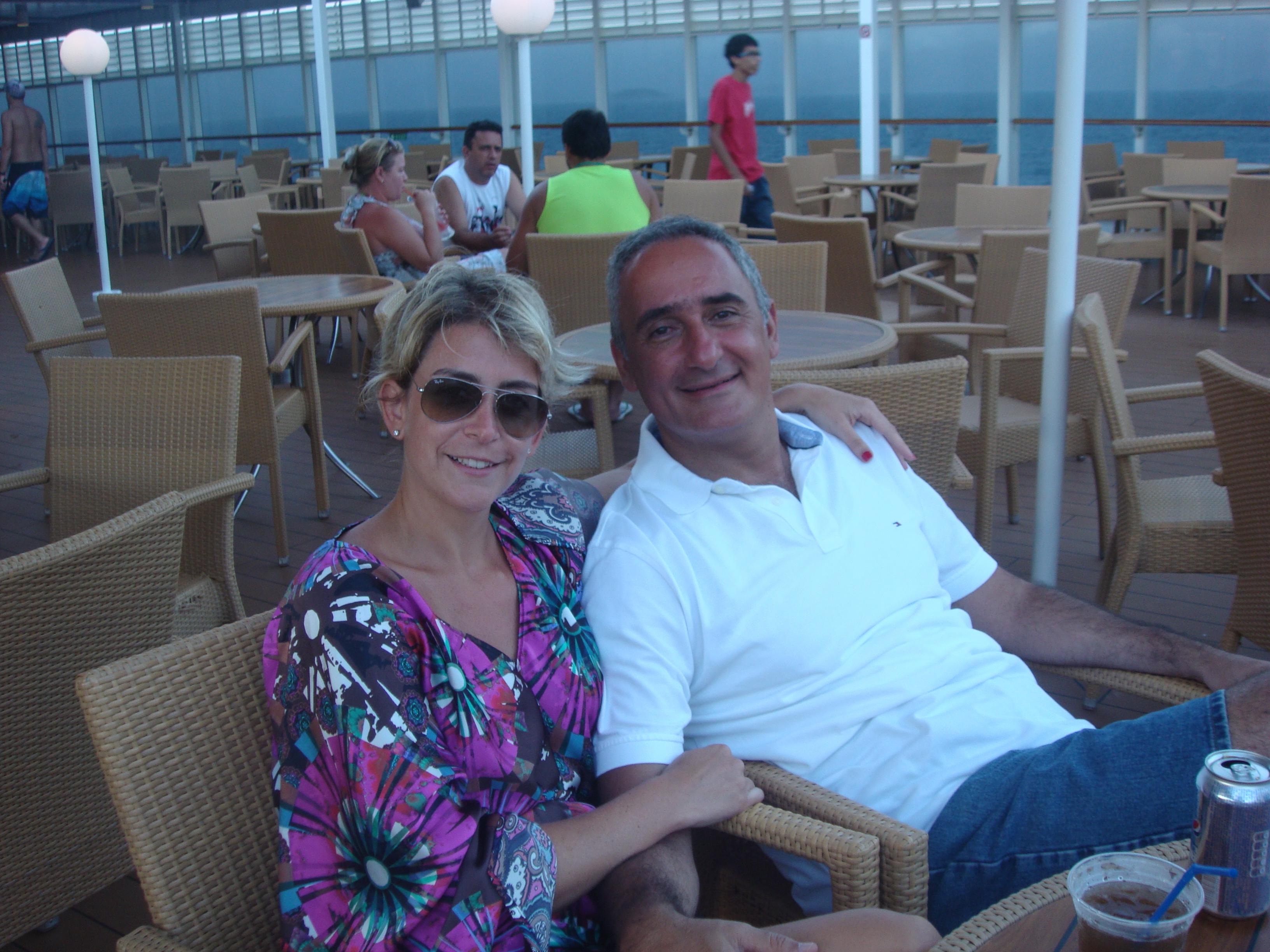 Andrea LLona y Alex Kouri