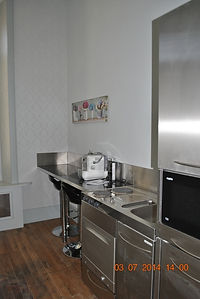 Studio 1 - kitchenette.JPG