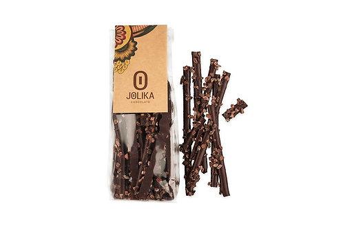 מקלות שוקולד עם שבבי קקאו גרוס