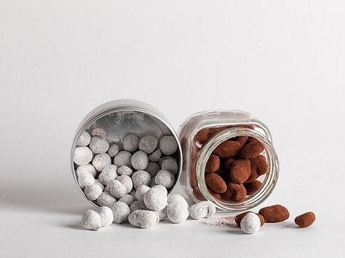 אגוזים ושקדים מצופים בשוקולד