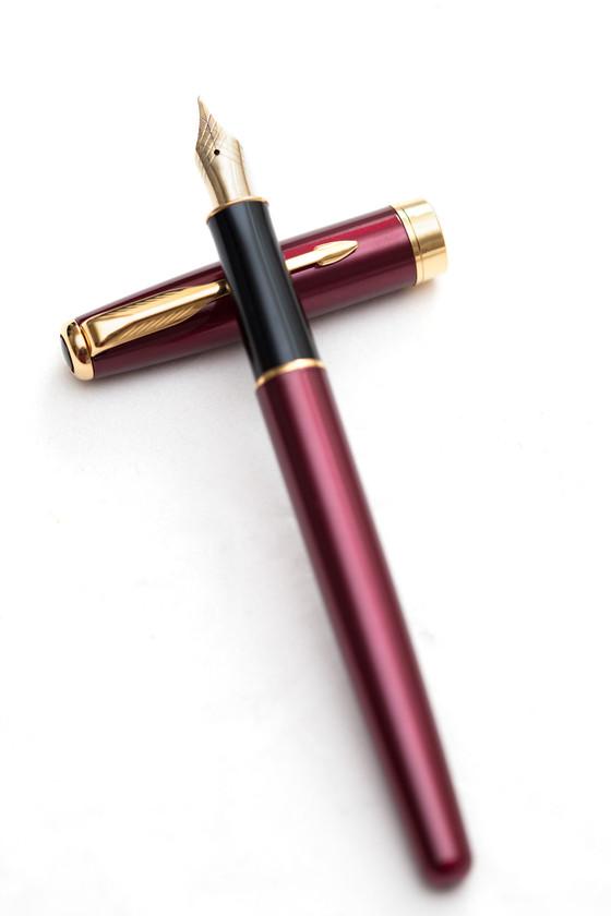 Burgandy red fountain pen