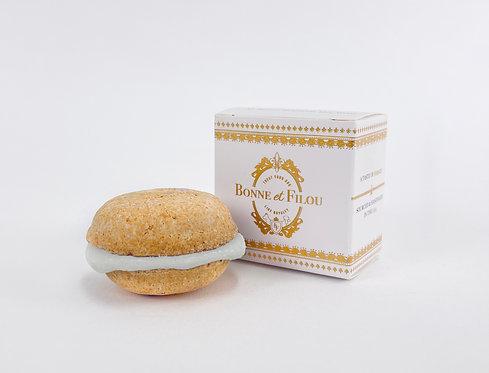 Bonne et Filou Vanilla Dog Macaron(s)
