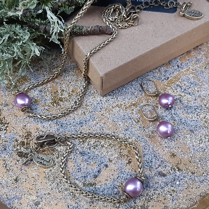 Freshwater pearls - a set for the season