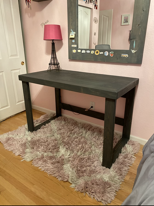Streamlined Desk - Large