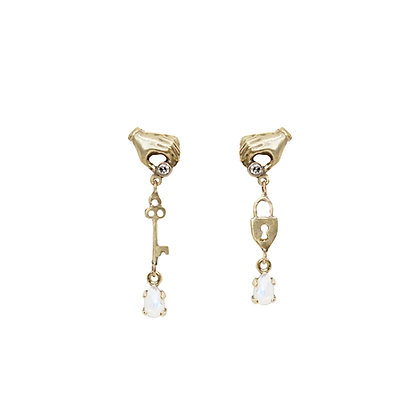 GOLD HAND LOCK AND KEY EARRINGS
