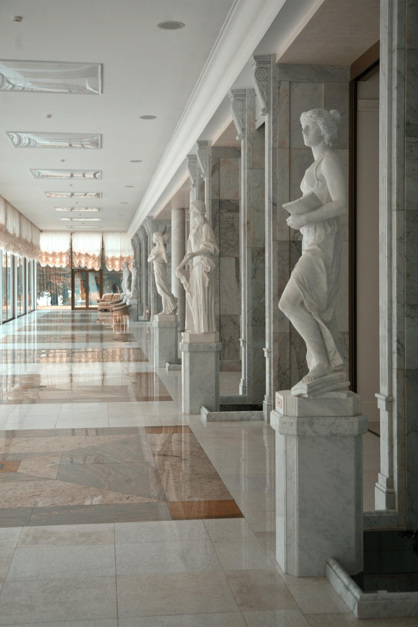Скульптура в резиденции К2