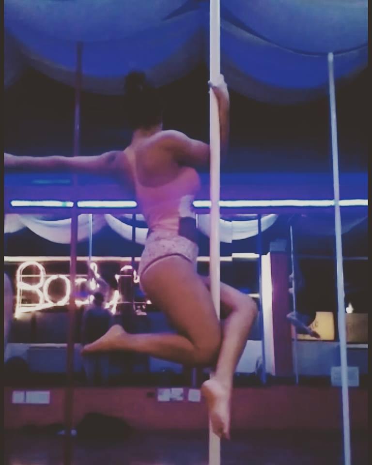 Samantha Snedorf pole dancing