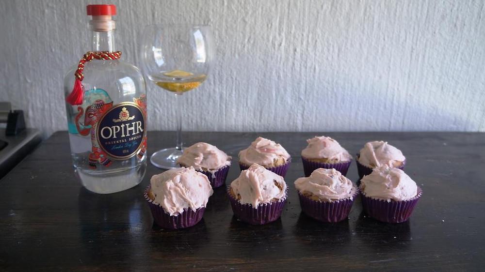 Rhubarb and gin cupcakes