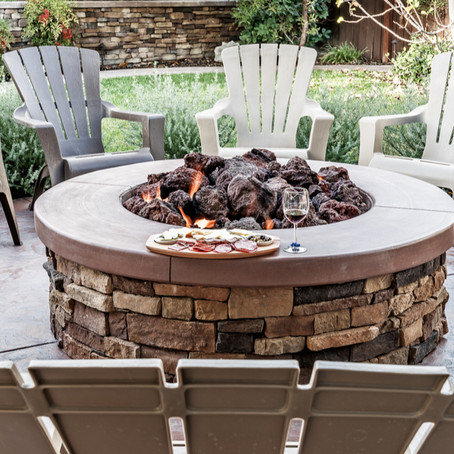 Benefits of Adding A Stone Fire Pit To Your Back Yard