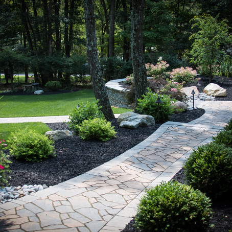 4 Ways You Can Improve the Appeal of Your Lawn and Landscaping