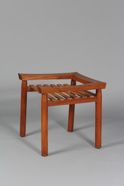 Slat seated chair