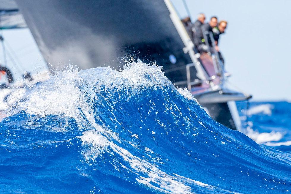 Yacht Club Capri - Contatti.jpg