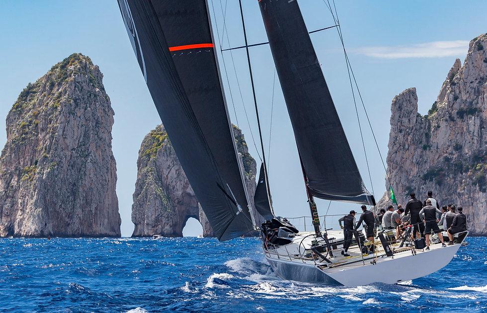 Yacht Club Capri - Home page Club.jpg
