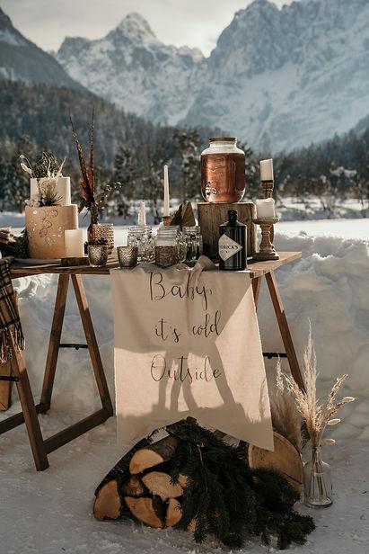 Zimska poroka, bar.jpg