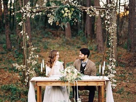 10 idej kako okrasiti ozadje na poročnem slavju