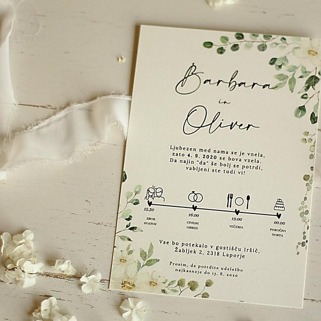 Cvetlično vabilo z belimi cvetlicami.jpg
