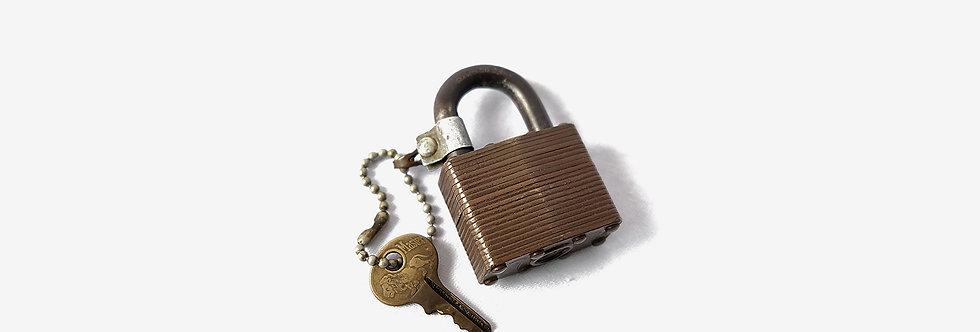 Master Lock 早期美國千層銅鎖