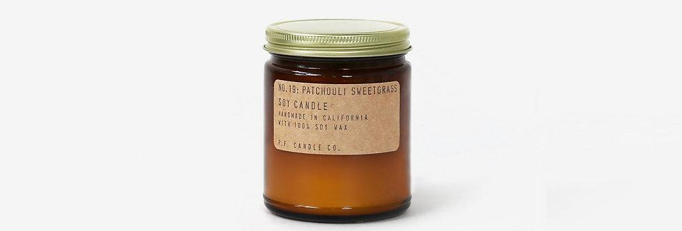 P.F. Candle Co. 香氛蠟燭 19 (廣藿香草)