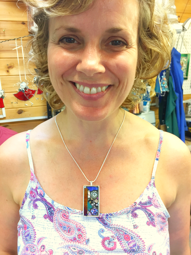 NEW...Pendant Mosaicing day at Cheryl Powling Stained Glass Studio