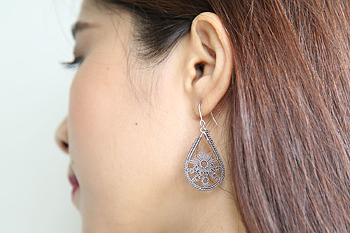 "Tatting lace accessories ""Hladee"""