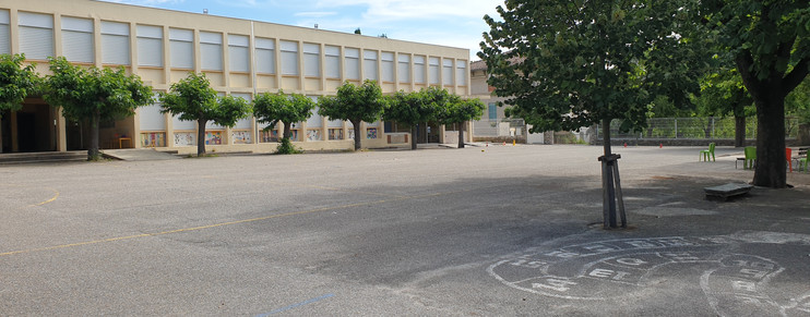 école de moussac.jpg