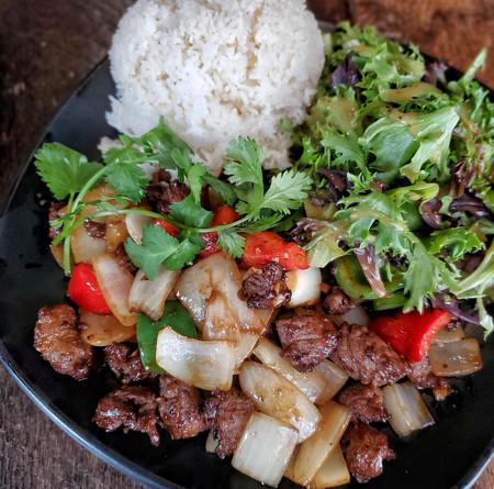 Shaken beef with rice.jpeg