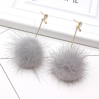Örhängen Handmade Dangling Grey Fur Pom