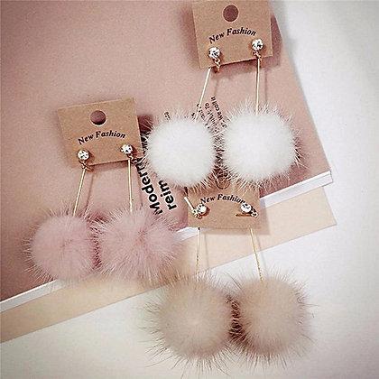 Örhängen Handmade Dangling Champagne Fur Pom
