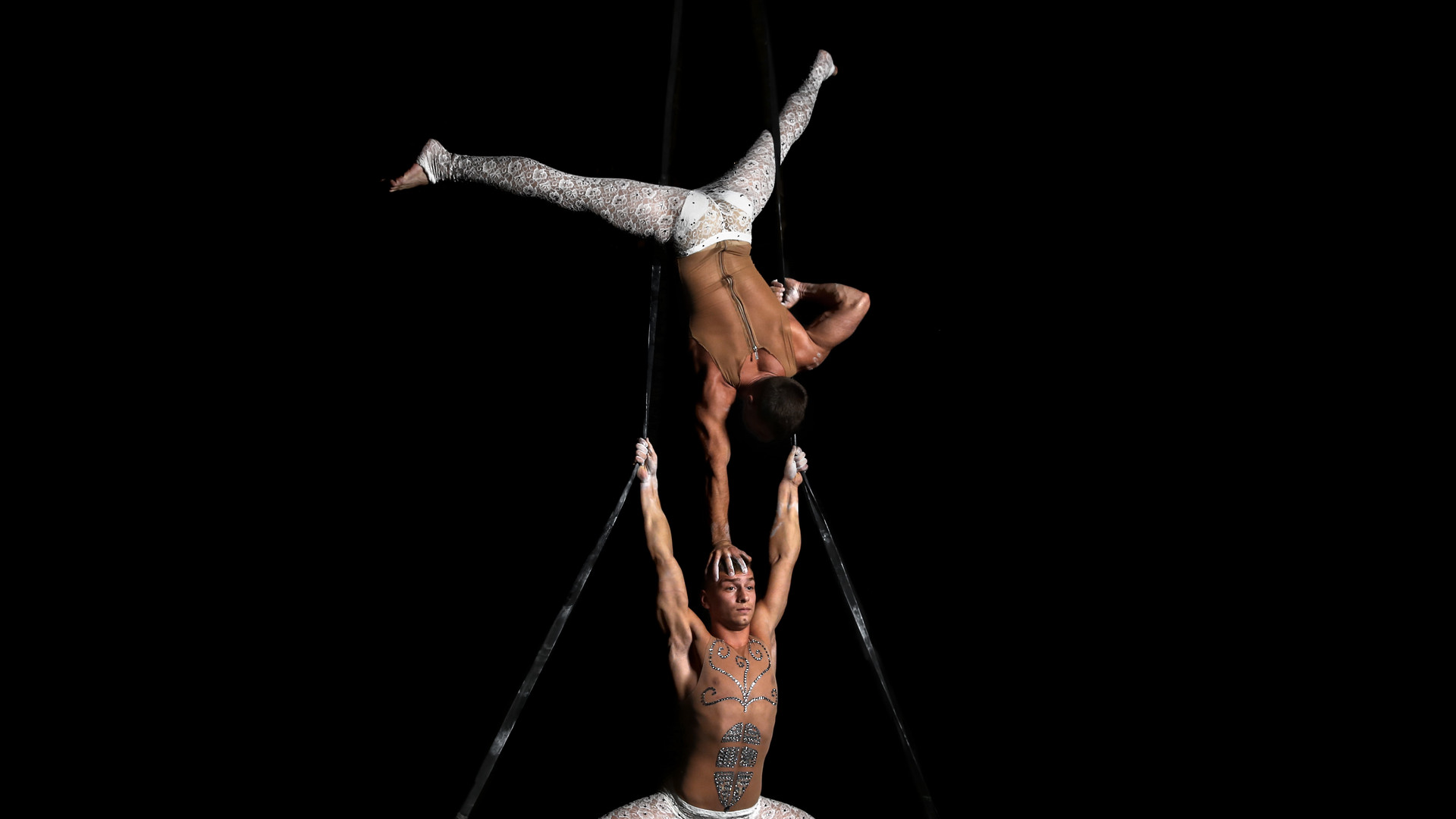 Акробаты воздушные Москва. Шоумен шоу