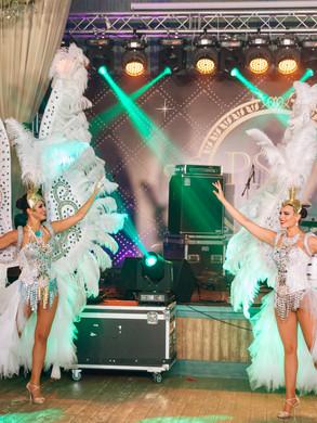 Белые ангелы на новый год