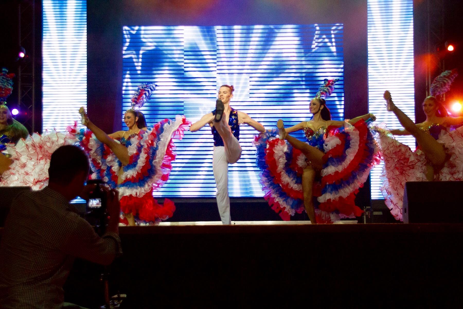 Канкан Париж шоу Гранд в Москве
