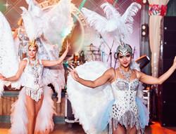 Красотки-ангелы на мероприятие