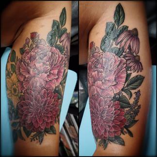 Bicep Flower tattoo