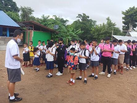 Lahu orphanage - prayer before attending