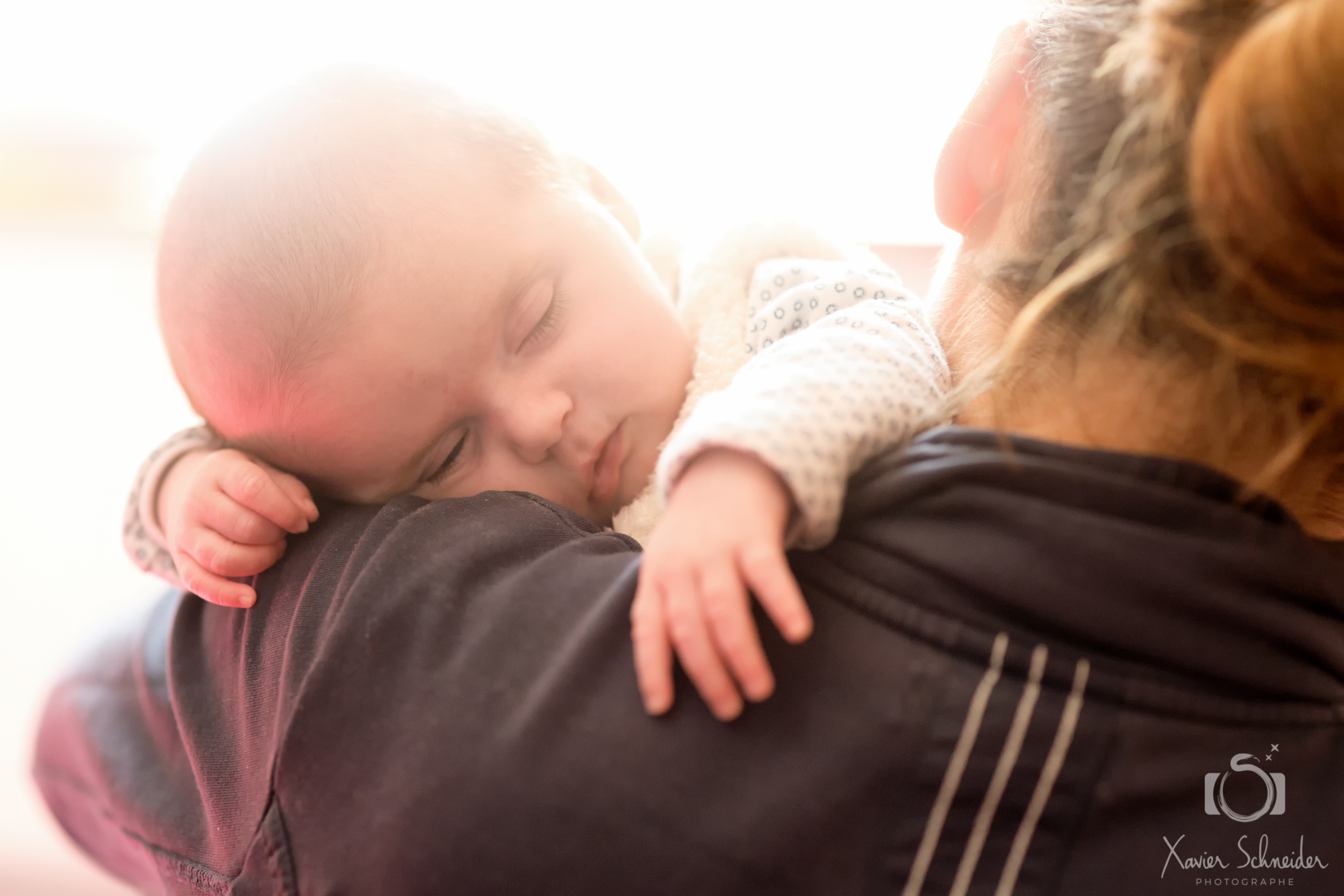 portrait bébé contre jour