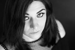 portrait noir et blanc en plongée