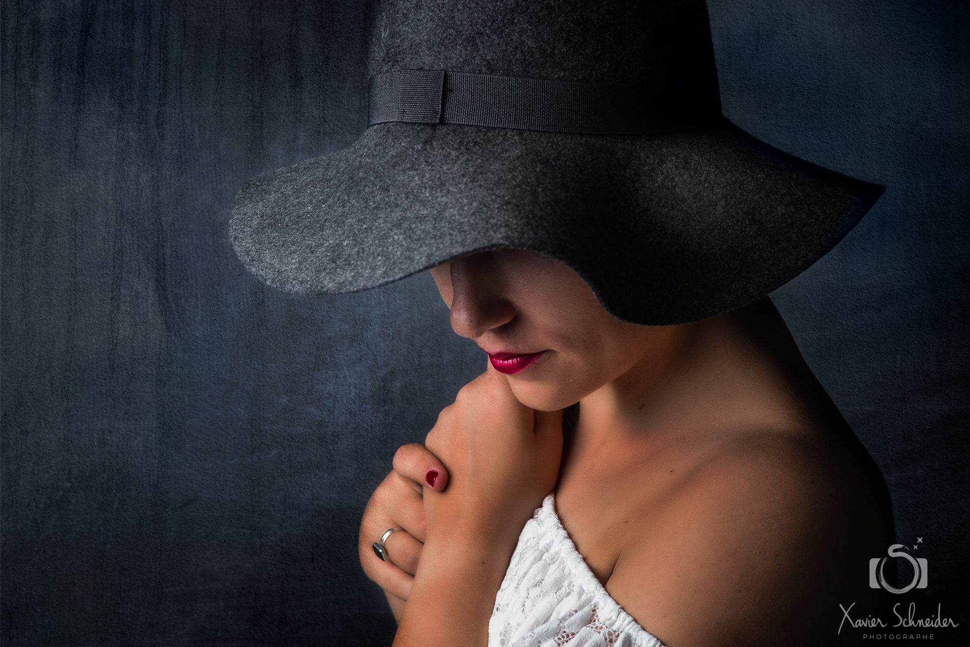 femme chapeau texture grunge