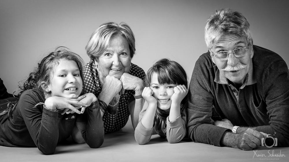 famille petit enfant noir et blanc