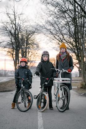 Anna (geograaf-linnaplaneerija), Johan ja Jakob (õpilased)