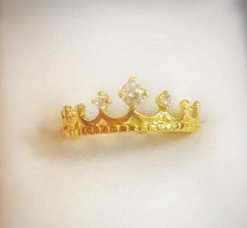 Corona con piedras