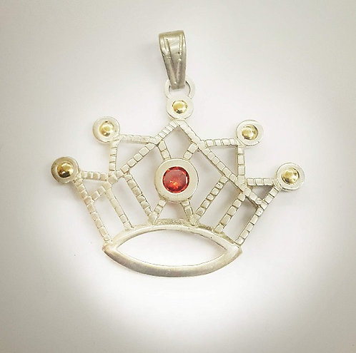 Corona calada con piedras
