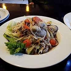 Thum Hoi Klang (Clam Salad)