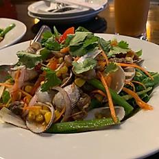 Yum Hoi Klang (Clam Salad)