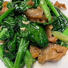 Kana Moo Krob (Stir-fried Chinese Broccoli)