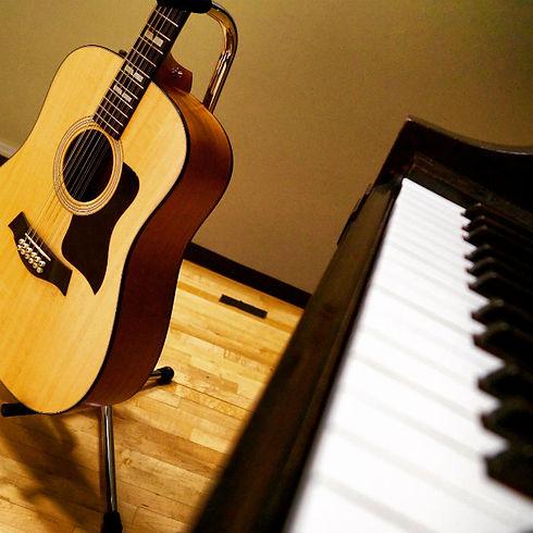 piano-guitar.jpg