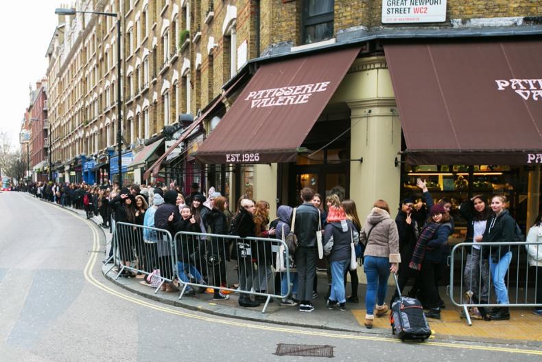 Line at The 1975's pop up shop in London) (Photo Credit: Burak Cingi)