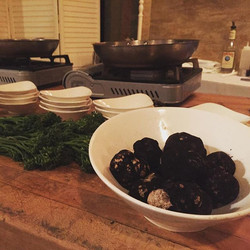 #ChefsTable is about to begin! #truffles #truffleshuffle 🥘🍷🍴