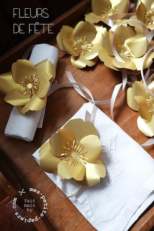 Rond de serviette fleur OR