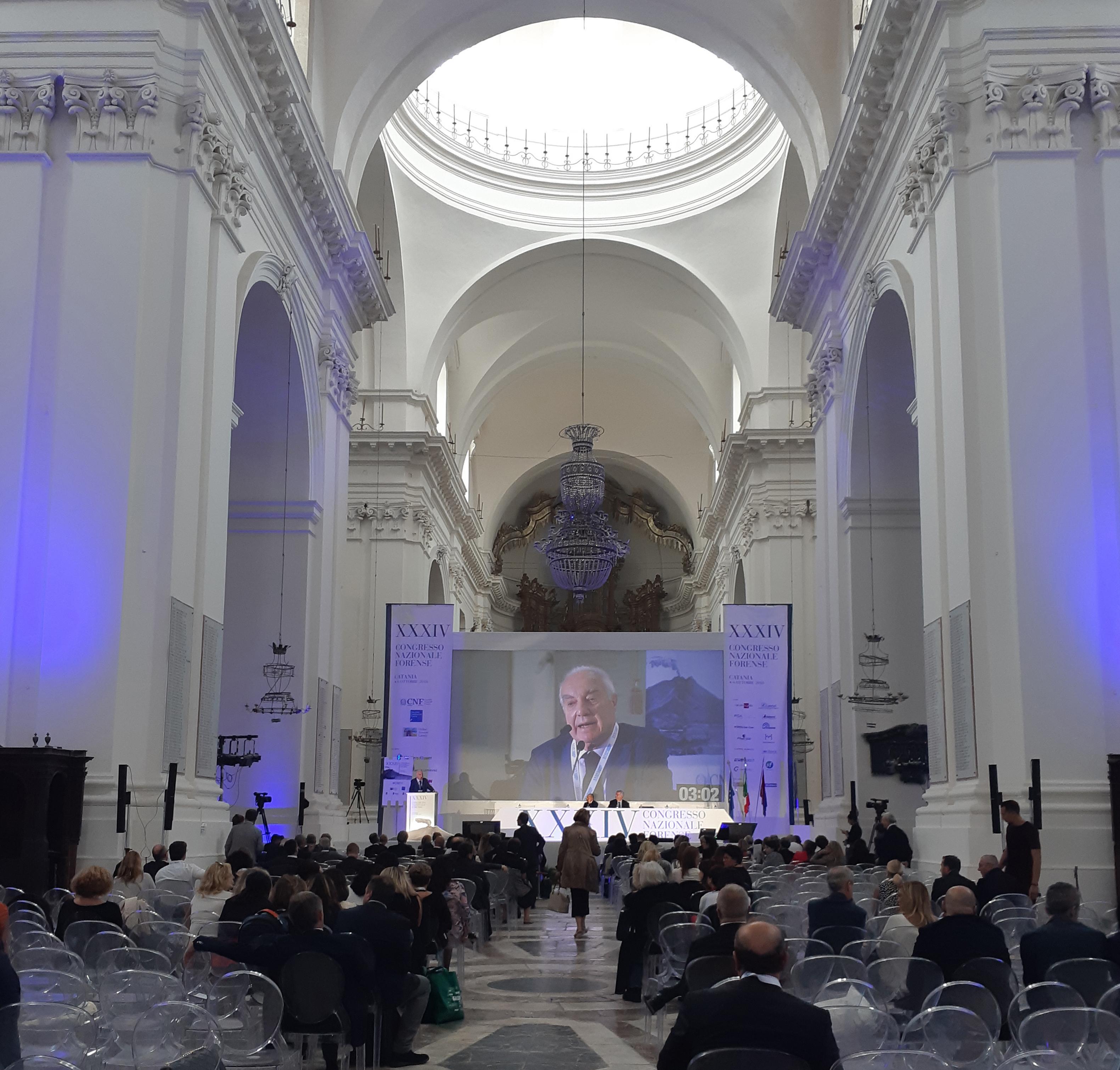 Sistema di votazione Angage durante il XXXIV Congresso Nazionale Forense a Catania