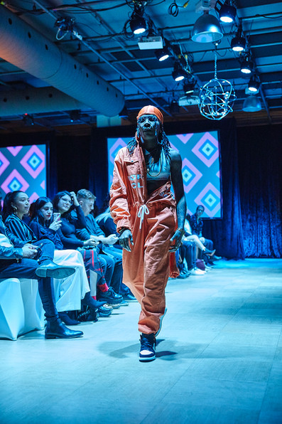 JUMPSUIT - ATELIER NEW REGIME  ACCESSORIES - MODEL OWNED  SHOES - MODEL OWNED MODEL - LASHELLE PHINN PHOTOGRAPHER - CAROL RIBEIRO